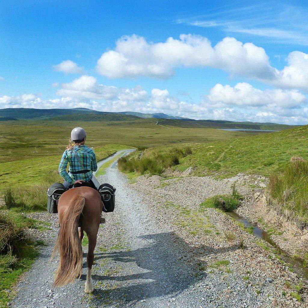 trail riding border to sea mountains trail
