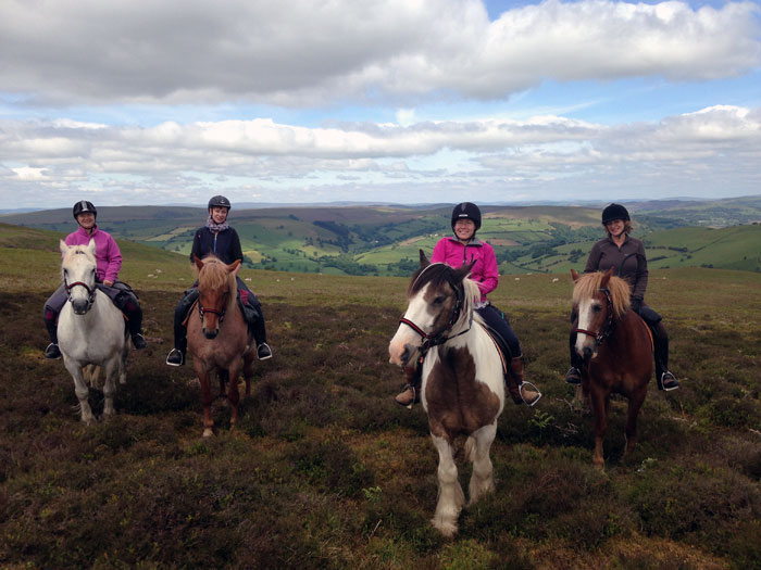 Stay overnight at a welcoming inn on a Learn to Ride holiday with Freerein